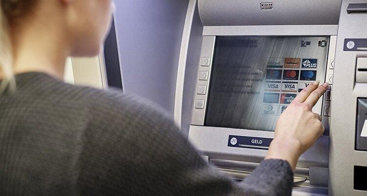 2_2_geld_muenzautomaten